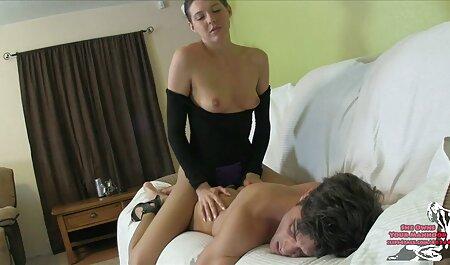دختر می شود یک Hanjoba فیلم پورن از کون در حالی که تماشای پورنو در