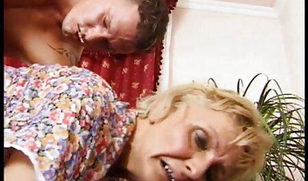 آب نبات فیلم پورن داستانی پا در اتوبوس