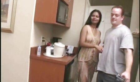 Roxalana Cheh دارای موی سرخ سکسی زیر آب دانلود فیلم پورن داستانی